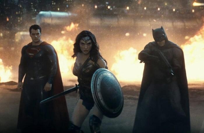 betmen-protiv-supermena-na-zare-spravedlivosti-700x456